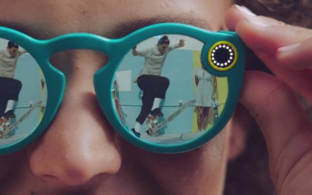 Companhia lançou um óculos com câmera para fotografar e gravar vídeos de dez segundos